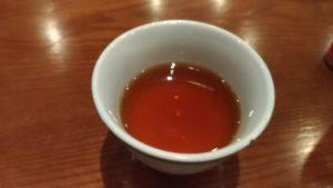 お茶のような色