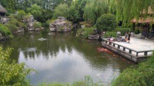 中国の庭園は広大