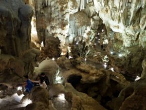 ハロン湾の洞窟にも入れます