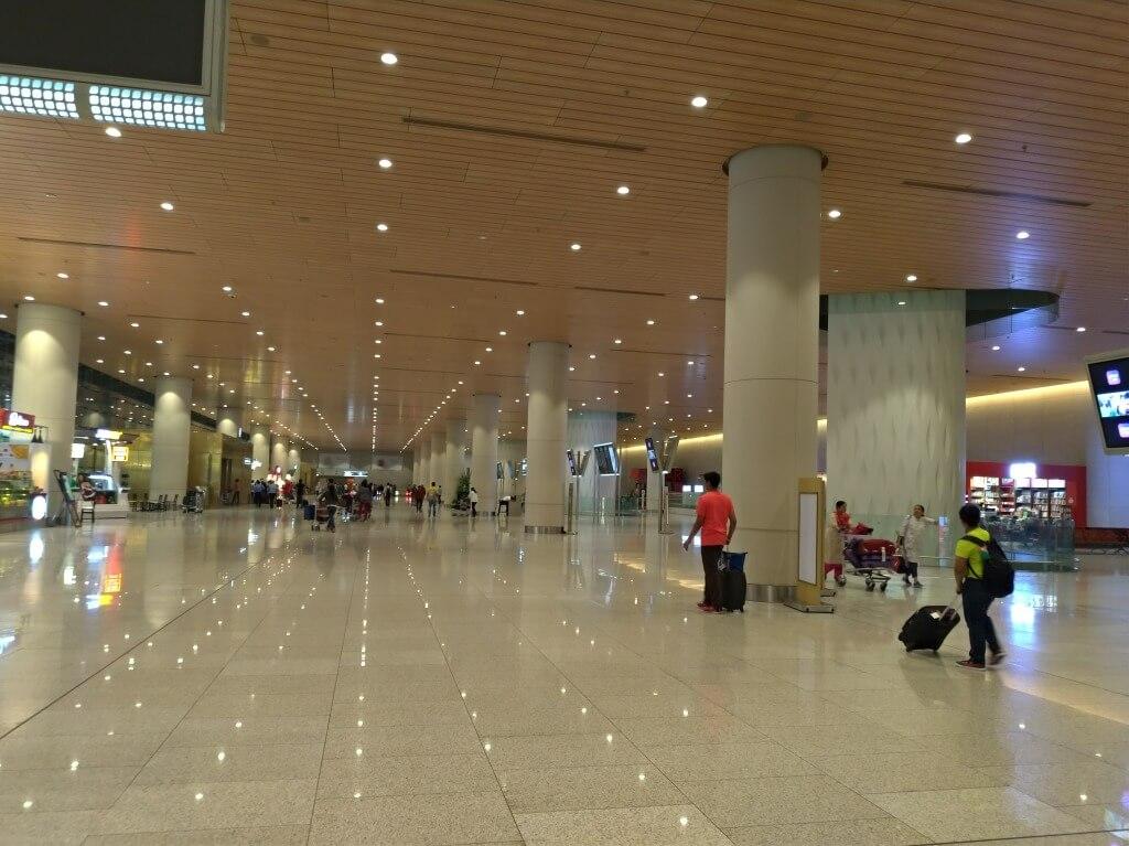 ムンバイ空港で騙されました