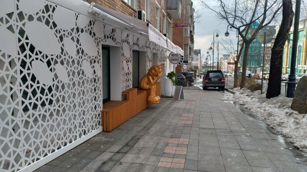 ①「MAKURA COFFEE」 カプセルホテル併設カフェ