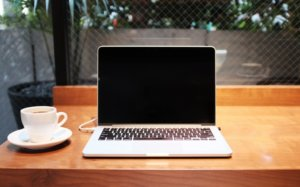 初心者Webライター向けおすすめパソコン6選と選び方