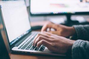 ノマドワーカーとしてWebライティングで稼ぐ方法+ステップ