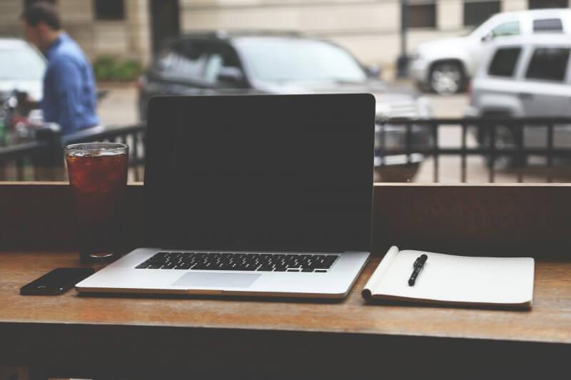 ノマドワーカーとしてWebライティングで稼ぐ方法+ステップ【事例を紹介】